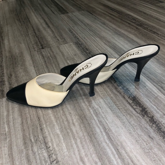 quality products new products price Chanel Mules Nude / Black Slip On Heel